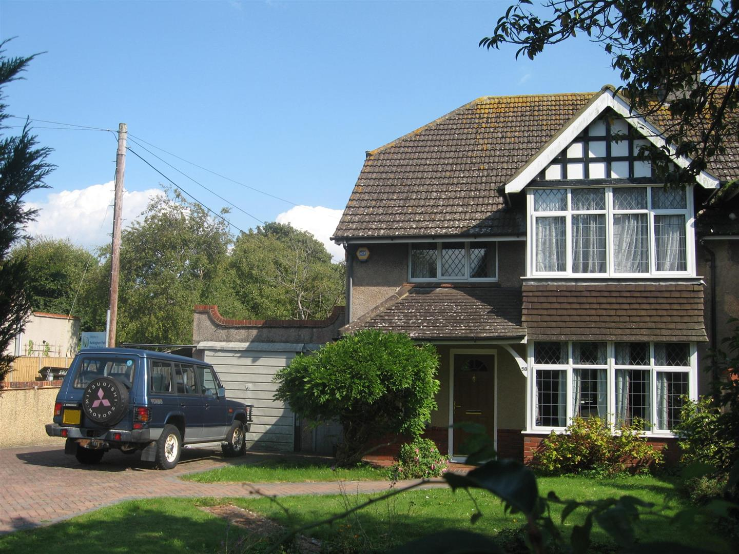 3 Bedrooms Semi Detached House for sale in Buckingham Road, Shoreham-By-Sea